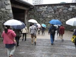 美術展の帰りには福岡城跡に行きました