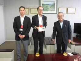 Hさんと中島社長と企業担当者