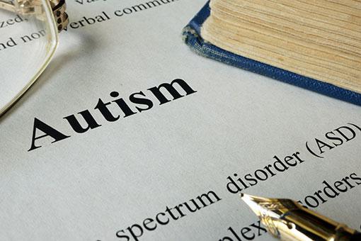 自閉症スペクトラム障害(ASD)の特徴と症状、原因・治療法、向いている仕事と受けられる支援